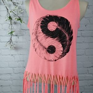 Ying/Yang Feathers sleeveless top sz small Y107